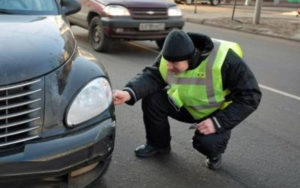 Оформление ДТП с аварийным комиссаром – в чём разница и какие риски?